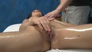 Erotic sexy chick bonks and sucks her massage psychotherapist
